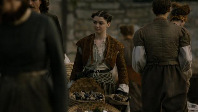 Archivo:Arya vendiendo marisco HBO.PNG
