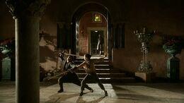 Arya y Syrio practicando HBO