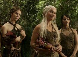 Daenerys y doncellas