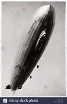 Airship-lz127-graf-zeppelin-seen-from-below-1933-BJWCX6