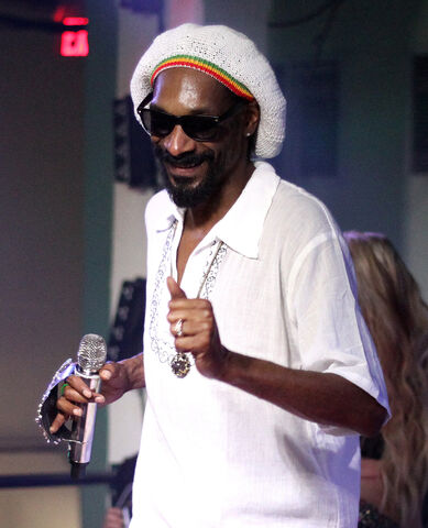 File:Snoop Dogg 2012.jpg