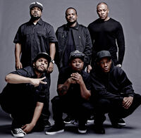 Straightouttacompton-cast