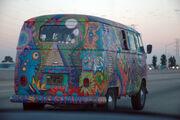VW Bus T1 in Hippie Colors 2