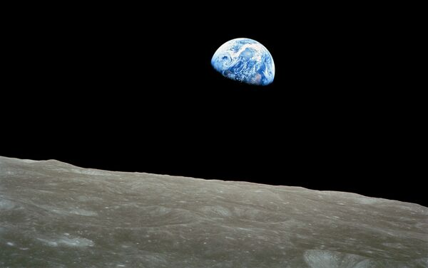 NASA-Apollo8-Dec24-Earthrise crop