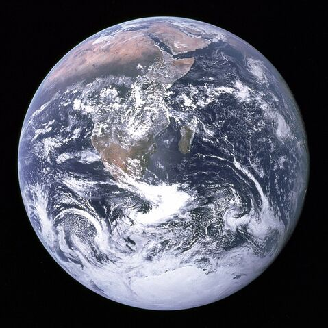 File:1024px-The Earth seen from Apollo 17.jpg