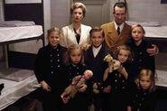 93-goebbels-and-children