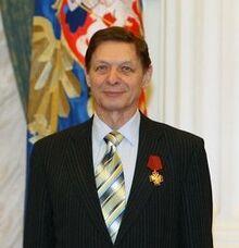 Eduard Khil