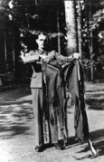 Bundesarchiv Bild 146-1972-025-64, Hitler's pants - Attentat, 20. July 1944