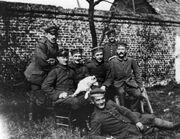 779px-Bundesarchiv Bild 146-1974-082-44, Adolf Hitler im Ersten Weltkrieg