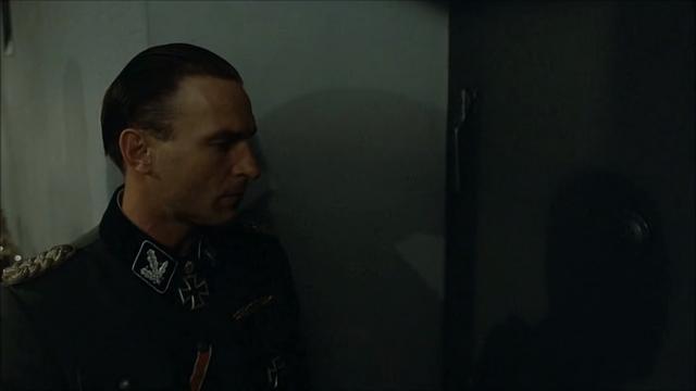 File:Fegelein listening.png