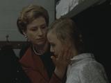 Magda drugs her children