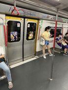 MTR M Train doors 04-07-2020