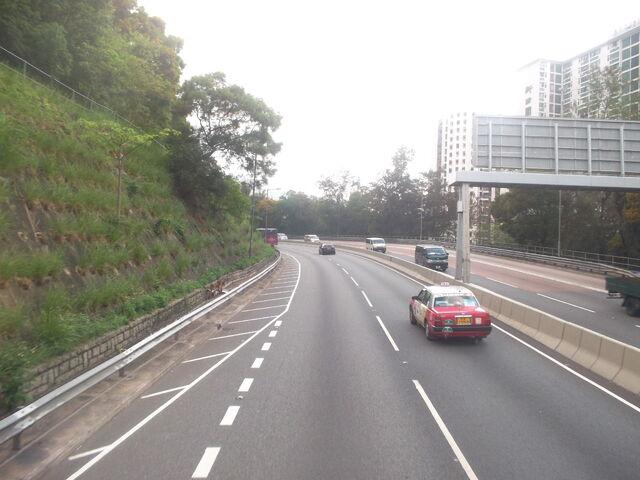 檔案:Lion Rock Tunnel Road Of N.T.(1).jpg