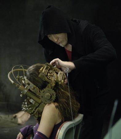 File:Jigsaw setting up Amanda's trap II.jpg