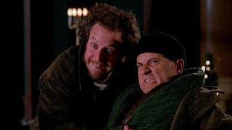 Hey, guys! Smile! - Home Alone 2 (1992)