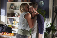 Ep-6707-Ziggy-SOPHIE-DILLMAN-says-goodbye-to-Brody-JACKSON-HEYWOOD-before-he-leaves-for-rehab-3