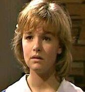 Roo Stewart (Justine Clarke)
