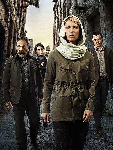 File:Homeland Season 4 cast promo.jpg
