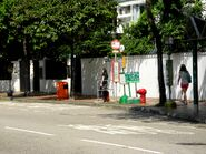 Village Gardens bus stop ----(2013 10)