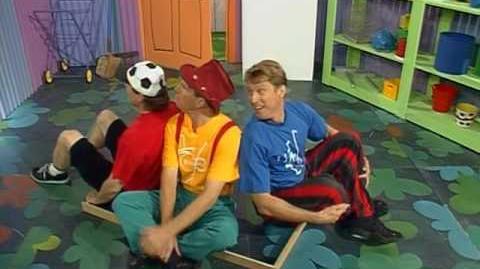 The Hooley Dooleys - ABC-TV Series (1999) - The Upside Down Cubbyhouse