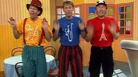 The Hooley Dooleys - ABC-TV Series (1999) - Something Is Smelly