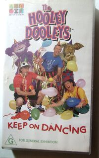 The Hooley Dooley - Keep On Dancing VHS (front cover)