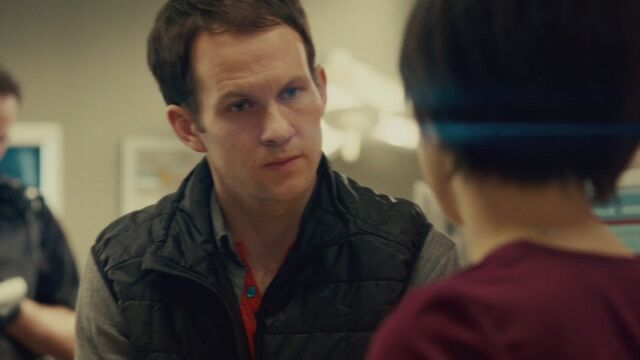 File:Aaron Spencer - S1 E2 Contact (1).jpg