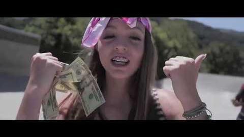 Video - WOAHHVICKY -