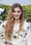 Willow+Shields+Doing+Interview+EXTRA+Ptc0RrYuL9el
