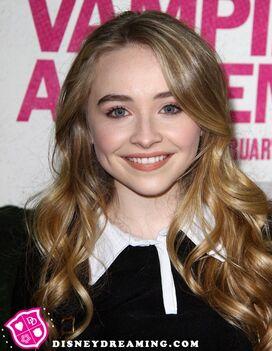 Sabrina-Carpenter-Vampire-Academy