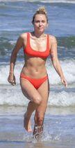 Miley-Cyrus-Bikini-Pictures