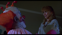 Debbie-Stone-killer-klowns-from-outer-space-41248707-853-480
