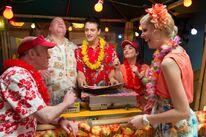 Richard, Lenny, Flo, Ruth und Victoria (Hawaiiparty)