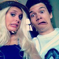 Patrick und Hanna verziehen ihre Gesichter