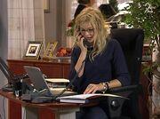 Victoria på kontoret