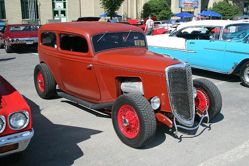 File:1933-34 Ford 2 Door Sedan Fatman IMG 0162.jpg