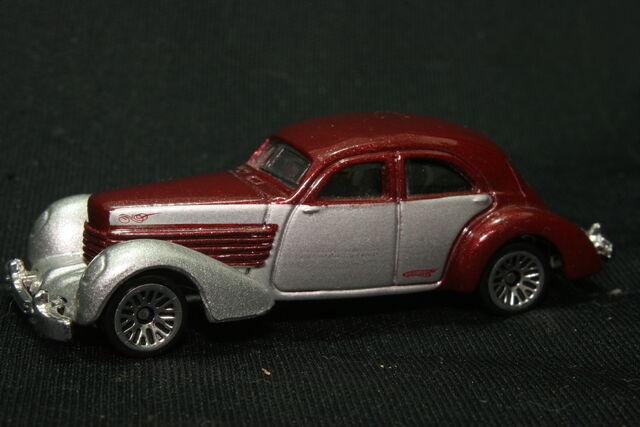 File:1936 Cord (1936 Cord 810 Westchester sedan).JPG