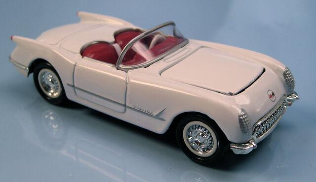 File:53 corvette white collectibles 2-car set.JPG
