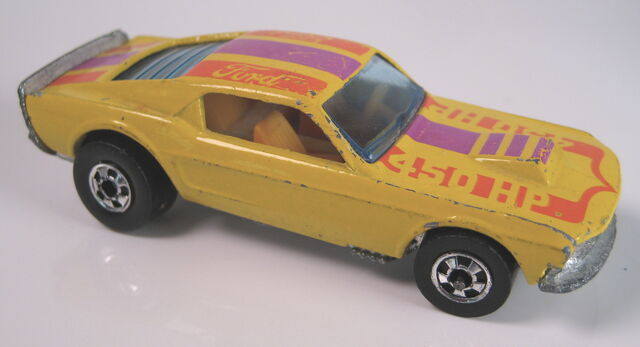 File:Mustang Stocker yellow interior France.JPG
