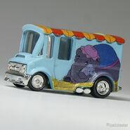 1070 Hot Wheels Bread Box Dumbo pastel blue (9)