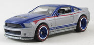G23 Hot Wheels 10 Ford Shelby GT500 2011 Hot Wheels Garage Ford Series (1)