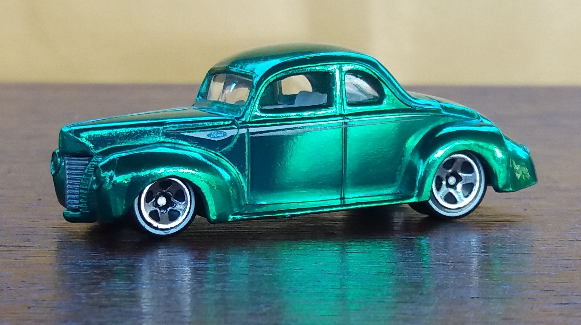 Hot Wheels Black /& White 1940 Ford Truck Loose