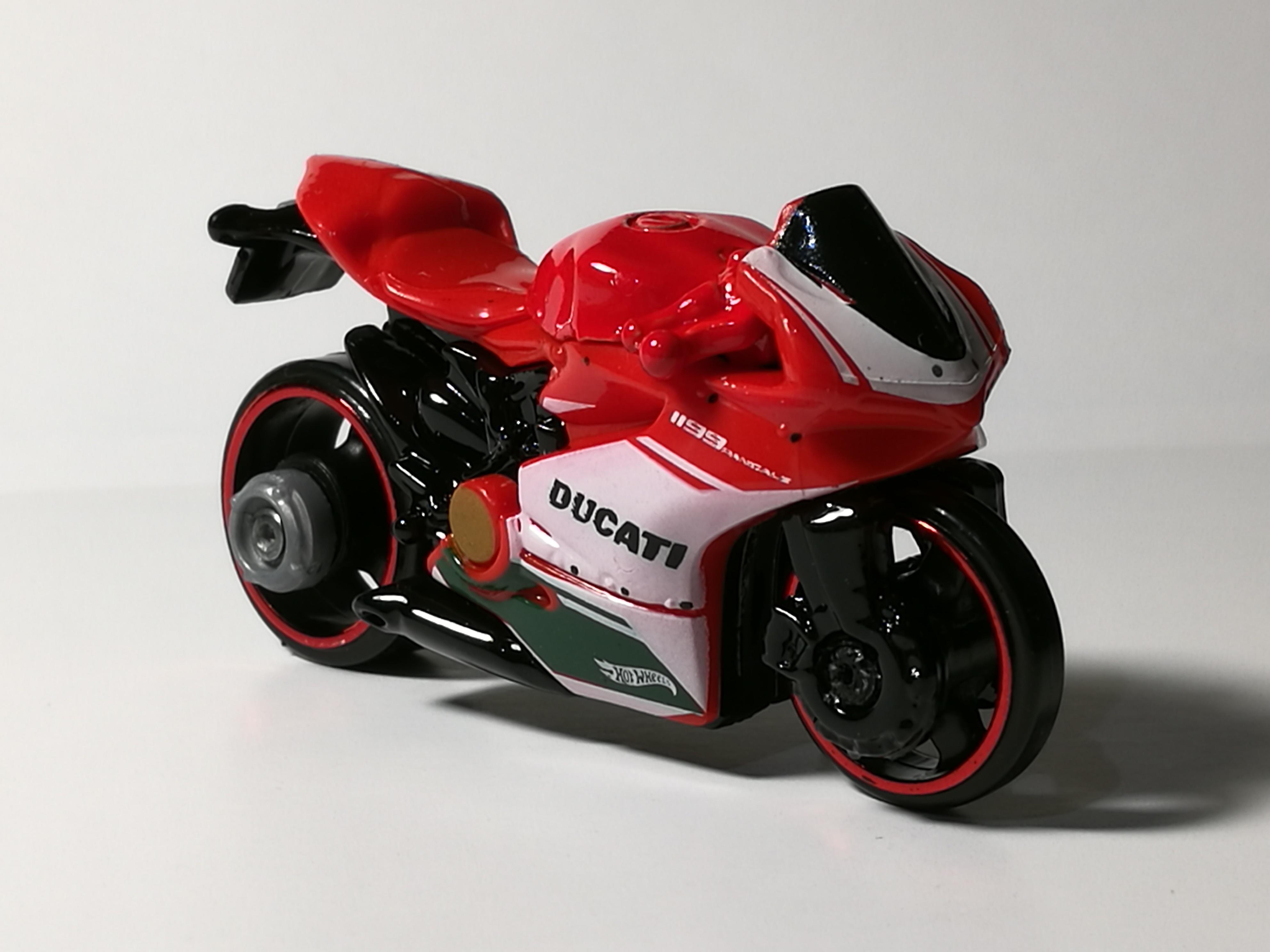 Cover - Moto DUCATI ITALIA - Wiko