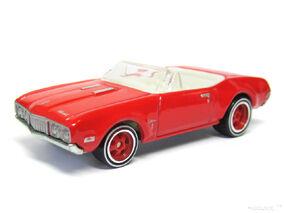 Hot Wheels 2013 68 Olds Cutlass Convertible