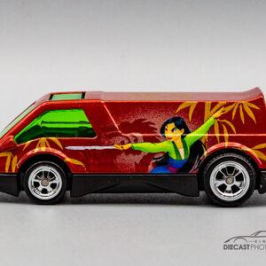 2012 Hot Wheels Looney Tunes Dream Van XGW Real Riders Sylvester Tweety
