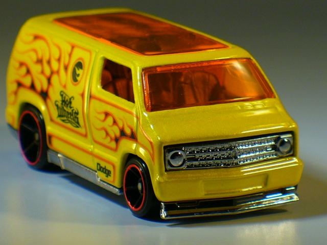 Hot Wheels 2019 Custom '77 Dodge Van !! Neu !!!