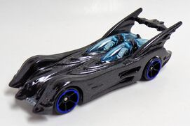 Batmobile (Action Figure, 2017. FKF38)2of6