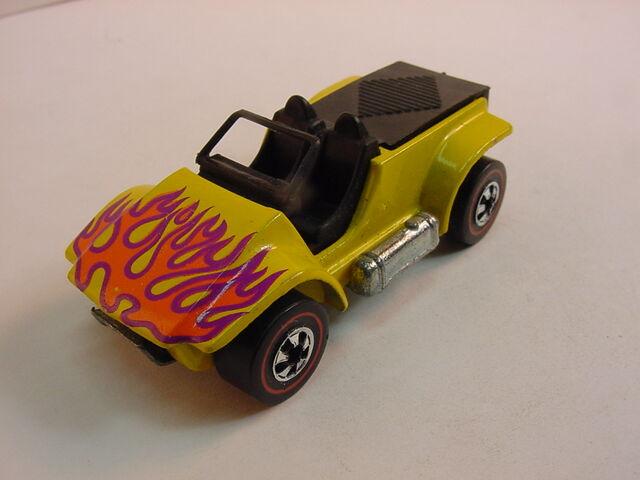File:Yellow sand drifter flyin color.jpg