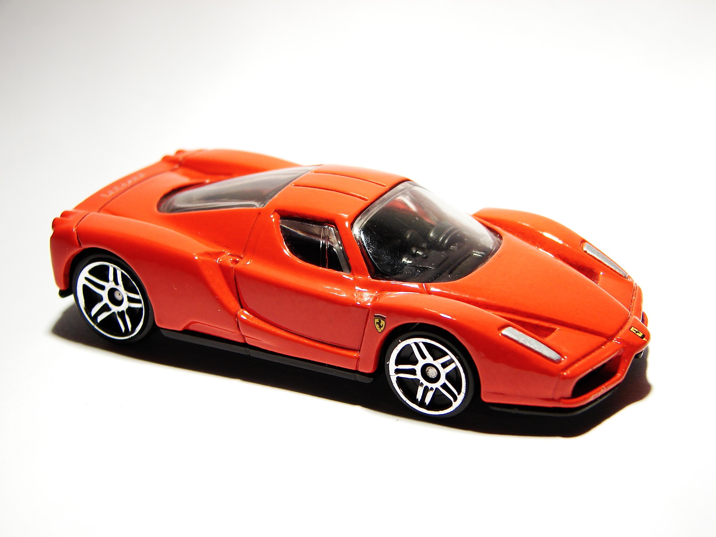 Enzo Ferrari 2003 01