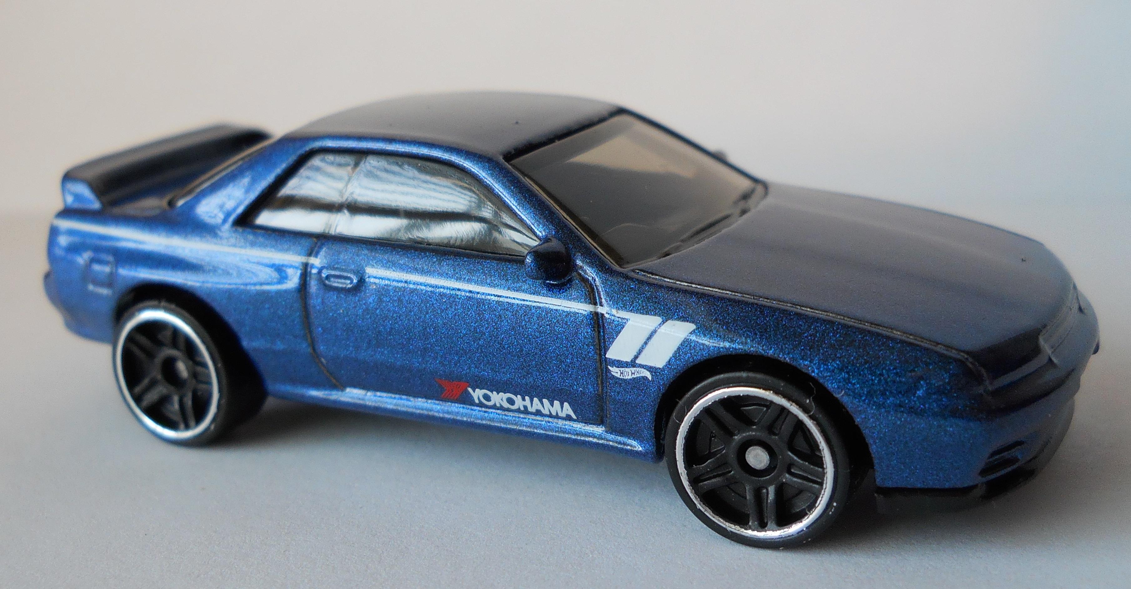 Hot Wheels Nissan 2019 Nissan Skyline GT-R BNR32 blau 1//250 FYB74 1//64